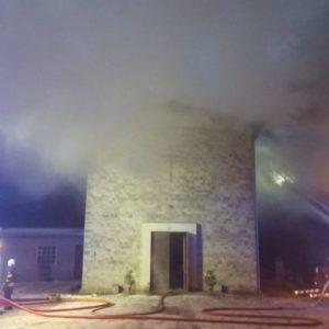 Работы по тушению пожара. Автор фото: Спасательный департамент.