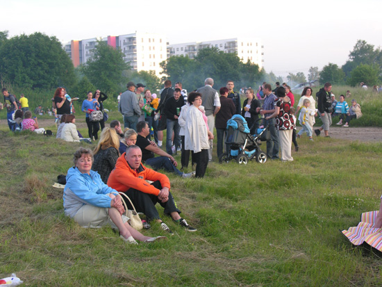 В Ласнамяэ на Паэвялья прошли гуляния по случаю Ивановой ночи. Фото Виталия Фактулина.