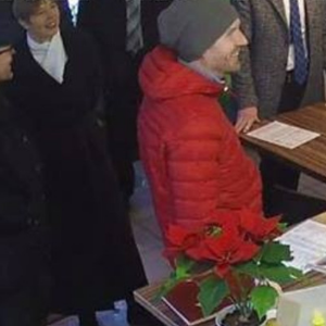 Президент Кальюлайд в пиццерии на Линнамяэ. Автор: кадр с записи видеонаблюдения