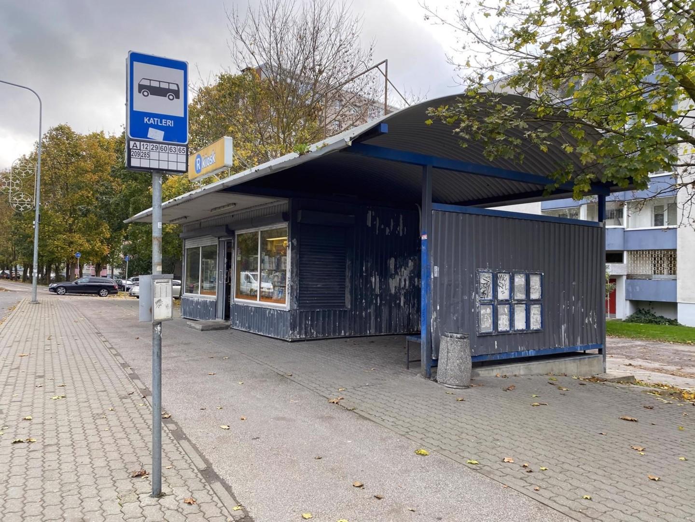 """Киоск-ракушка на остановке """"Катлери"""". Автор/источник фото: Lasnamäe linnaosa valitsus"""