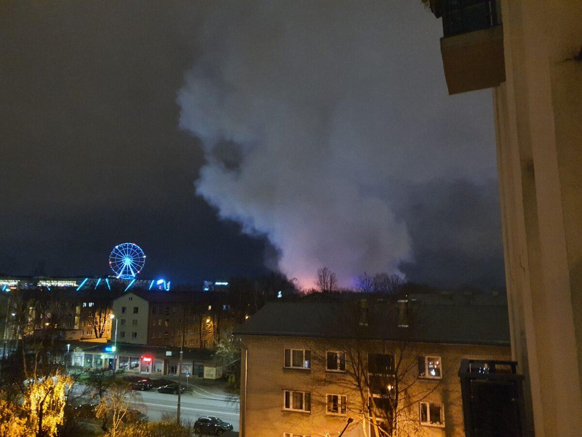В Таллине горел заброшенный дом.  Фото очевидца.
